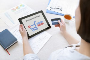 Online-Shopping mit Tablet